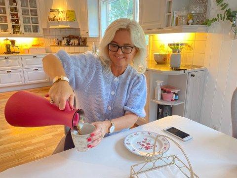 SPENT: Sonja Øren er spent på valresultata og om sonen Aleksander Øren Heen (Sp) får plass på Stortinget.