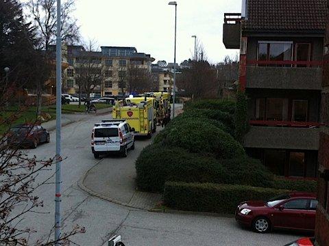 Brannvesenet og politiet kom raskt til stedet etter å ha fått melding om røykutvikling fra en tørketrommel ved Soltun alderspensjonat.