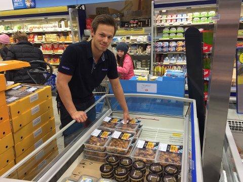 Daniel Baardsen Chin fra Sola har gått gradene i Rema 1000-systemet. Nå driver 21-åringen sin egen butikk på Raglamyr i Haugesund.