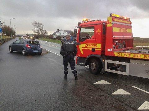 De to bilene involvert i ulykken har blitt ryddet av veien.