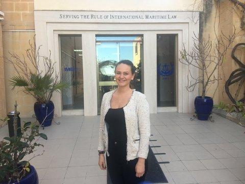 Jo da, hun har hatt hjemlengsel. – Men alt blir en vane, og når jeg kommer hjem om sommeren så savner jeg vennene mine i utlandet, sier Katinka Oxaas-Straume som for tiden tar mastergrad på Malta.