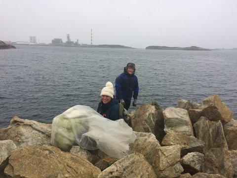 Ine Marit Torsvik Bertelsen rydder mer enn gjerne sjøkanten fri fra plast.