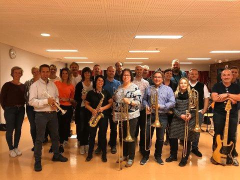Sola storband med vokalister klare for gresk ABBA-aften lørdag 30. september.