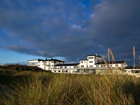 """Det populære hotellet kan bli det første som får en prikk, etter en """"liten forseelse"""" i Strandbaren."""