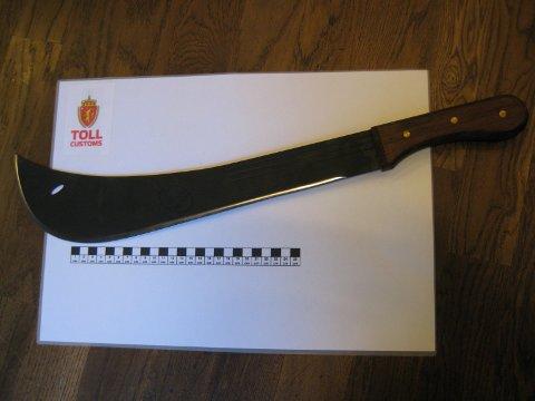 [b]BESLAG:[/b] Denne macheten var på vei til en adresse i Sola, men ble stoppet av Tolletaten.