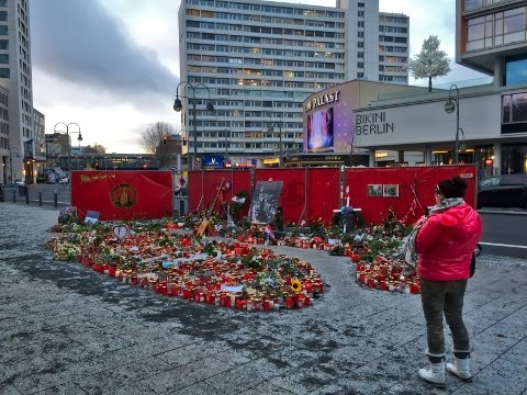 Terrorangrepet mot et julemarked i Berlin 19. desember 2016, medførte at tolv mennesker mistet livet da en semitrailer kjørte gjennom folkemengden. Ytterligere 56 personer ble fysisk skadet. Terrorangrep som dette ser ikke ut til å skremme folk fra å dra på storbyferie til populære byer i Vesten, viser ny undersøkelse.