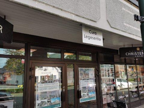 Hos Cura Legesenter i sentrum søkes det etter ny fastlege.