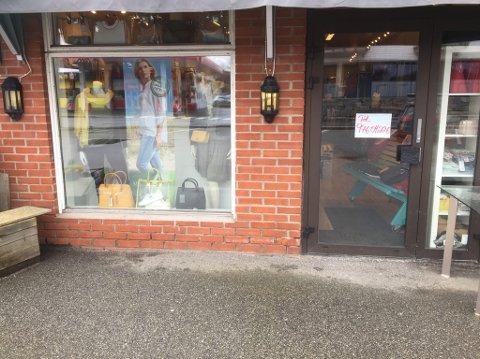 På grunn av korona-utbruddet holder Kirstin og Benthes Klær kun åpent for kunder som booker time.