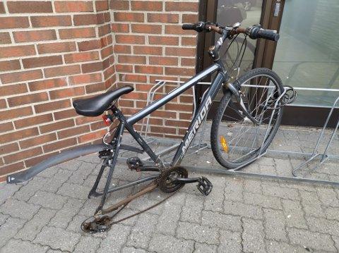 Det er vanskelig å bruke etthjulssykkel, og enda vanskeligere når den er ment å ha to hjul.
