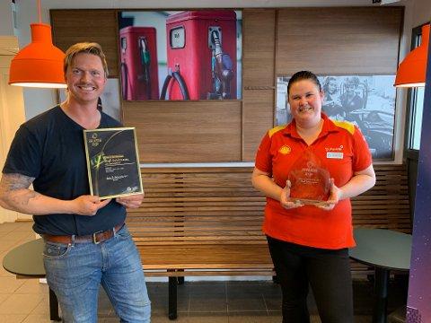Siw Merethe Bø kunne motta prisen, og også retailer Christer Bruno-Lundh fra Aktiv Stasjonsdrift fikk heder og ære.