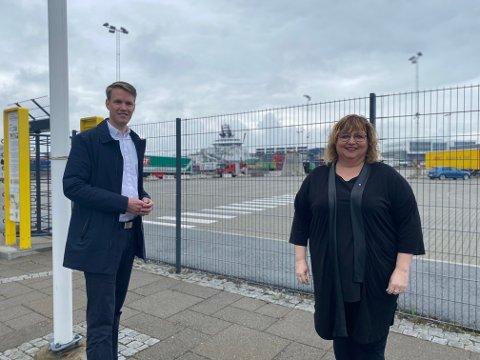 Stortingspolitiker Torstein Tvedt Solberg (Ap) og Siv-Len Strandskog (Ap) mener staten må føre an på veien mot nye grønne arbeidsplasser.