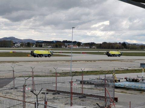 Lufthavnavakta og tilhørende brannvesen sto i beredskap, men var ikke behøvd.