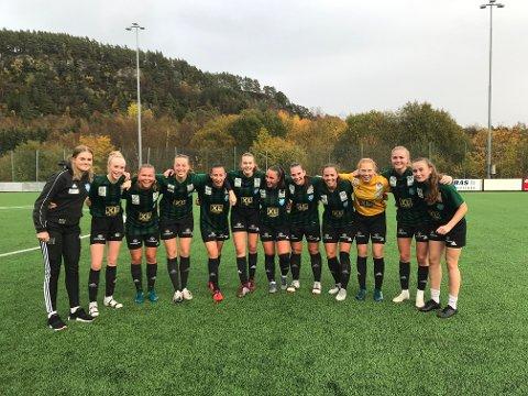 FORNYET KONTRAKTEN: Staal sitt damelag fornyet kontrakten i 2. divisjon etter å ha slått Vestsiden-Askøy 4-1 på bortebane søndag.