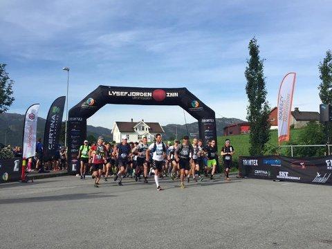 261 deltakere deltok på årets Lysefjorden Inn Ultramaraton fra Oanes til Lysebotn.
