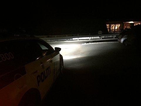 Politi og mannskap frå folkehjelpa leita i natt i Jørpeland sentrum etter ein 51 år gammal mann, som sist blei sett på Radlaren.