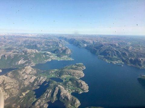 Forsand blir delt i to med Lysefjorden. Kolabygda blir ein del av Strand og sørsida av fjorden blir ein del av Nye Sandnes 1. januar 2020.