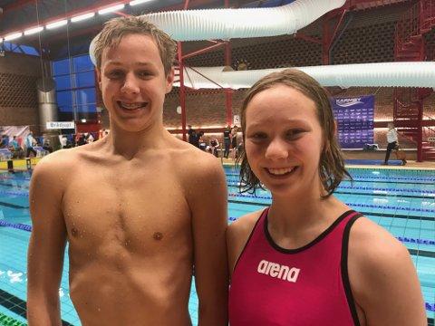 TOK MEDALJER: Både Alfred og Laura Twijnstra tok medaljer i svømming på Karmøy i helgen. Spesielt er de fornøyd med sine resultater på 400 meter fri.