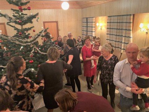 GAMMAL TRADISJON: Juletrefesten på Dalen bedehus følgde den kjende oppskrifta.