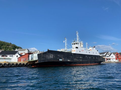 TIL HØGSFJORDEN: MF «Tomma» har vore reserveferje i Flekkefjord ein periode.
