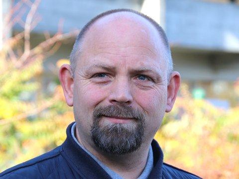 UAKTSOMT: Petter Korneliussen hadde som lokalpolitiker fått henvendelser fra beboere på Førland som mener at bussen kjører uaktsomt rundt Førlandsringen.