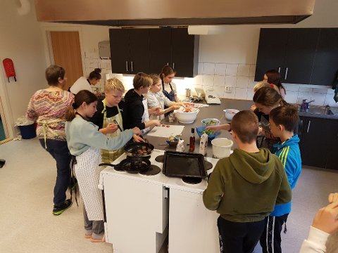 Elever ved Ogndal skole laget mye godt av sau- og lammekjøtt.