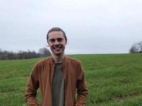 GRØNN: Jens Bartnes studerer på NMBU i Ås.  Klima- og miljø er hans flaggsaker innen politikken.
