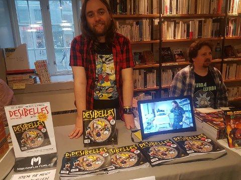 Tidligere har Arne Bye laget tegneseriene «Holger og Hagbart» og «Mira», som begge har gått i Pondus, i tillegg til flere aviser og en rekke egne utgivelser. Han ble også nominert til Sproingprisen for «Mira Atten» i 2012.