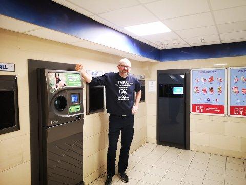 MANGE: I 2020 ble nesten 1,2 millioner flasker og bokser pantet hos Geir Ove Reitan på OBS i Steinkjer.