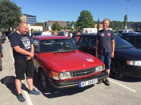 16 år gamle Alf Tore Forberg fra Skjåk øvelseskjørte over 40 mil fra hjembygda Skjåk til Inderøy og Steinkjer med bilens eier, Jonny Berger som co-pilot.