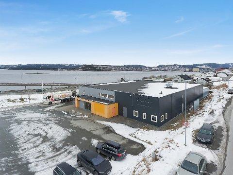 PÅ KARTET: Etableringen av verksted og showroom i disse lokalene i Sørlia, vil bli den eneste Tesla-lokaliseringen mellom Trondheim og Tromsø.