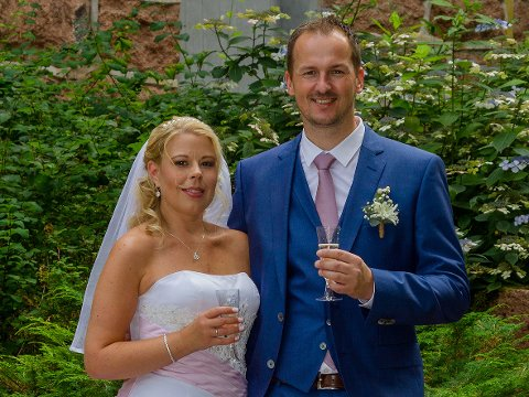 SOMMERBRYLLUP: Monica Knem og Knut Arild Øvergård.