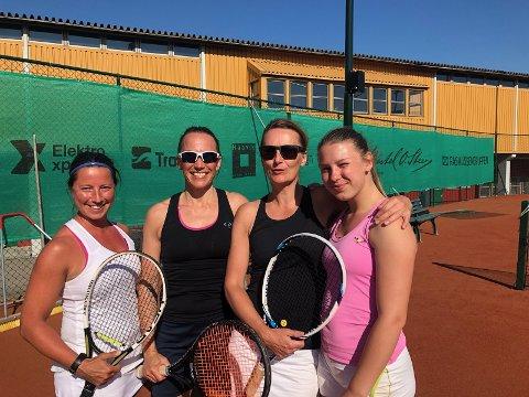 GJØR DET BRA: Det nykomponerte damelaget bestående av Siri Hauge, Ella Braathen, Karianne Braathen og Marit Jensen utmerker seg allerede i tennis-Norge.