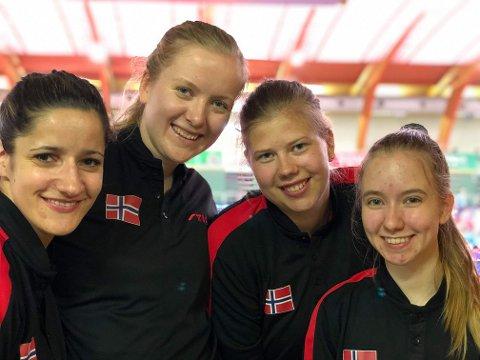 LAGET: Aida Dahlen, Marte Grutle Aasebø(coach), Merete Tveiten og Nora Korneliussen.