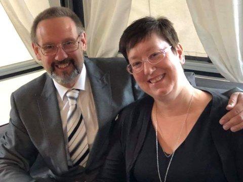 FØRSTE GANG: Svelvikdagene-debutant Ann-Cathrin Hagelund vant to helgepass til Svelvikdagene fra arrangøren Svelvik musikkorps. Med seg på festivalen tar hun mannen sin Geir Otto Hagelund.