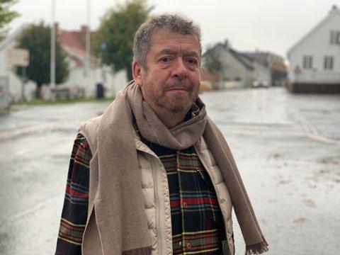 Johnny Tellander reagerer på at et byggesaksgebyr koster nesten 5000 kroner mer i Drammen kommune enn hos nabokommunen.