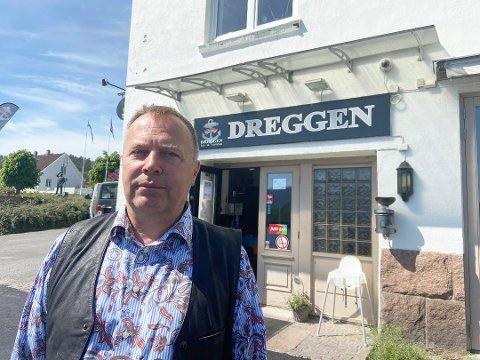 Steen Jensen fra Dreggen sier de drøyer med å åpne.