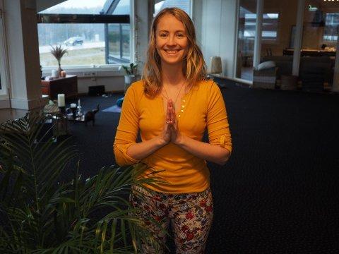 Sara Charlotte Sæthre Schanz  starter tilbud om online barselyoga og yinyoga. Vanligvis holder hun til på yogastudioet i Sande.