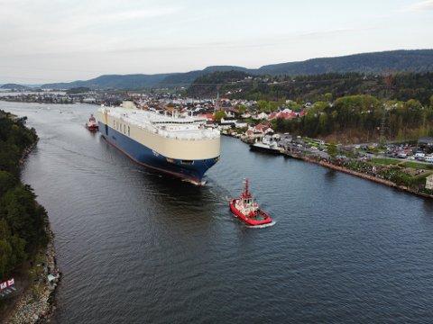 Mange opplevde «Morning Ladys» ankomst i Svelvik og på Verket. Men bildene kunne også ses av hele Norge.