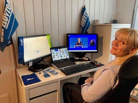 Kristin Surlien (H) måtte være kreativ for å skape landsmøtestemning hjemme.