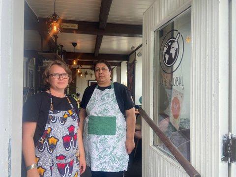 Ingeborg Danbolt Drange og Souzan Hamza synes ikke noe om at noen har gjort innbrudd hos Kafé Global.