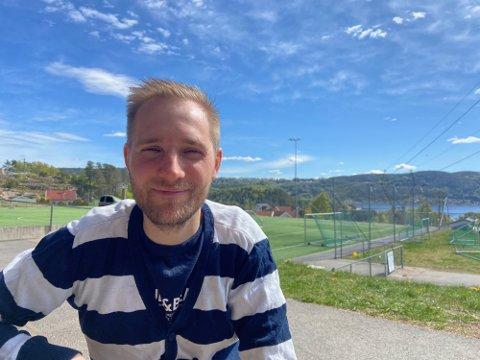 Som barn hadde Martin Tharaldsen en drøm om å starte internettkafé. Senere fikk han inspirasjon til å starte et e-sportlag, som har vært oppe og gått siden februar 2021.