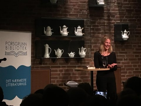 REKORD: Åsne Seierstad snakket til over 200 tilhørere på Porsgrunn bibliotek.