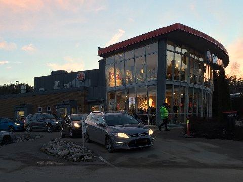 OVERFALT: En kunde skal ha blitt overfalt av en motorsykkelgjeng inne på Burger King Telemarksporten lørdag ettermiddag. Bildet er tatt ved en tidligere anledning.