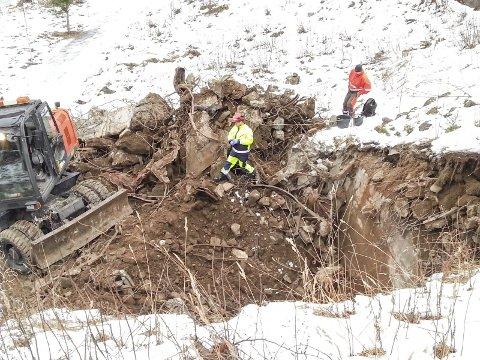 GRAVING ETTER KJELLER: Tungtvannskjelleren på Rjukan graves opp i løpet av året. Bildet viser tjuvstarten i fjor. Det er Telemark fylkeskommune som er prosjekteier. foto: privat