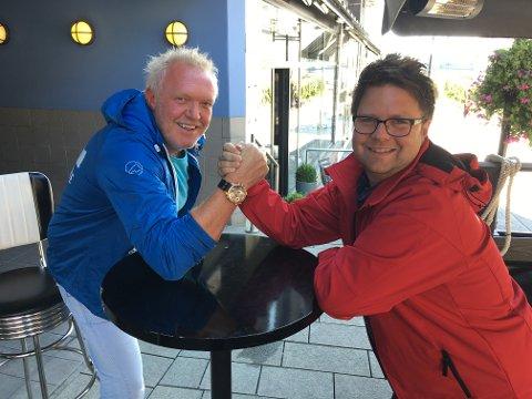 SLÅR SEG SAMMEN: Neida, det er ikke Telemark Høyre og Telemark Ap som slår seg sammen. Men partisekretærene Ole Espen Strand og Odin Adelsten Bohman er begge i ferd med å starte arbeidet for å slå sine fylkespartier sammen med partikollegaene i Vestfold.