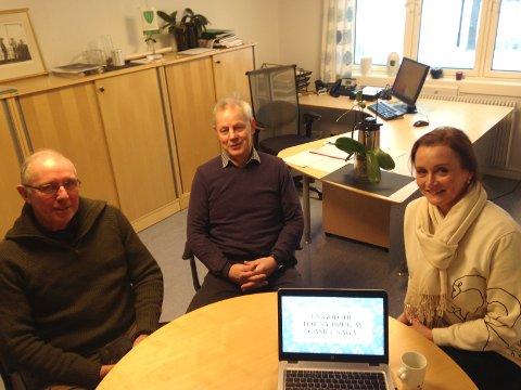 PLANLEGGER: Det er vesentlig å planlegge forprosjektet. Her på ordførerens kontor:  Morten Nystad, Kjell Sølverød (ordfører) og  Rigmor Emerense Håheim.