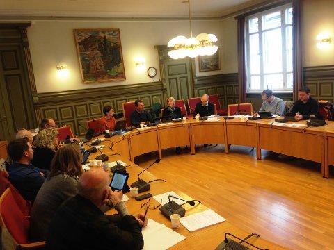 HARMONISK DISKUSJON: Medlemmene i hovedutvalg for teknisk sektor diskuterte ivrig tirsdag. Men uenigheten var ikke stor.