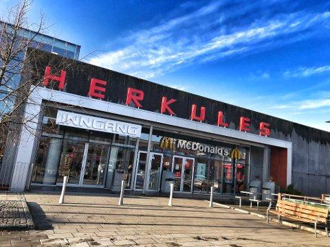 NOEN KOMMER, ANDRE BESTÅR: Mens Notabene flytter ut av Herkules, får senteret stifte nytt bekjentskap med bokhandelen Norli.