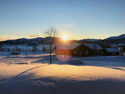 TA-bu i nydelig solnedgang.