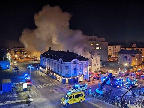 TOTALSKADD: Holbergs gate 1A ble totalskadd i brannen som brøt ut om ettermiddagen tirsdag 27. november i 2018.